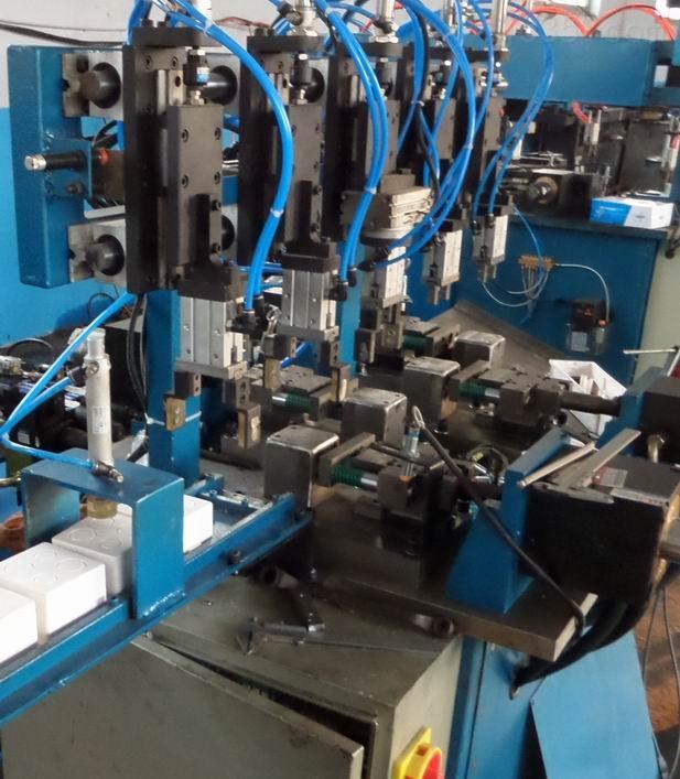浙江PVC接线盒/单双联全自动冲孔机 厂家订做 汇金达自动化