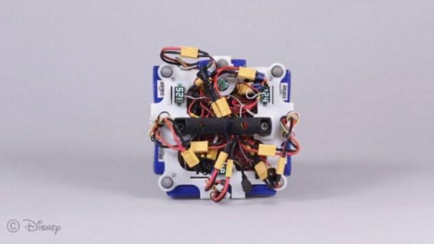迪斯尼研制首款锂电池单足蹦跳机器人