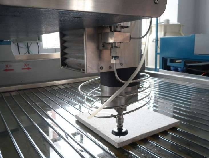超高压水刀切割金属 加工表现干净利落