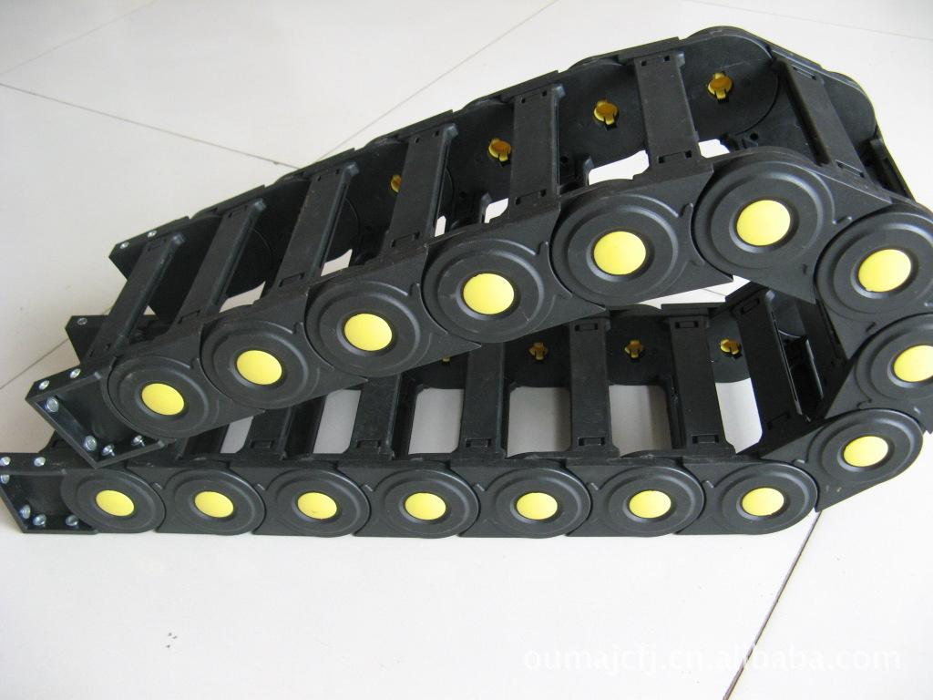 高品质耐温护线型机械穿线坦克链产品图