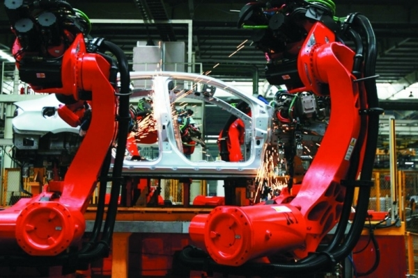 汽车企业顺势而为发力制造机器人