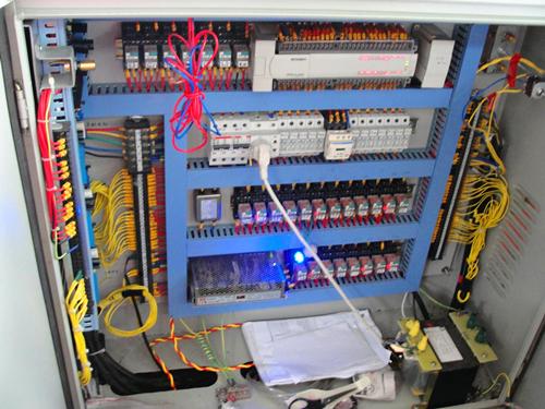 而在数控机床当中,三相变压器也主要是给驱动服务