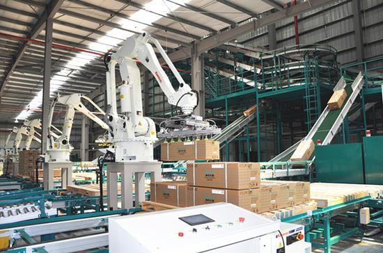 以格力国际智能制造基地,国机机器人产业园和云洲智能无人船产业基地