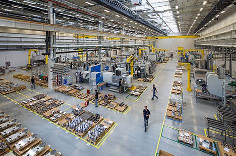 工业机器人,新能源汽车,光电子器件等产量增幅均超60%,集成电路,显示